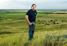 The Movement to Define Native American Cuisine --- A veteran chef forages, researches and cooks as part of a larger movement to revitalize indigenous food traditions. Chef Recipes, Whole Food Recipes, Recipies, Native American Artists, American Indians, Native Foods, Positive Inspiration, Ny Times, Lugares