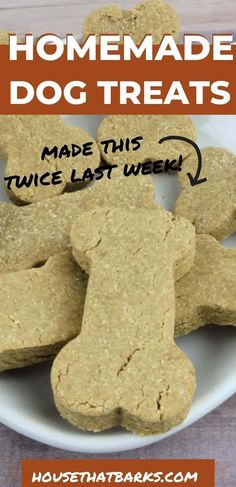 Does your dog love peanut butter? Here is a homemade dog cookie recipe your dog will love. Dog Cookie Recipes, Easy Dog Treat Recipes, Homemade Dog Cookies, Dog Biscuit Recipes, Homemade Dog Food, Dog Food Recipes, Peanut Butter Banana Dog Treat Recipe, Homemade Peanut Butter, Make Dog Food