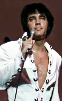 Elvis Presley Songs, Elvis Presley Family, Are You Lonesome Tonight, Tupelo Mississippi, Elvis In Concert, Most Handsome Men, Thats The Way, Graceland, Popular Music