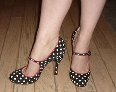 How awesomely whimsical are these vintage inspired polka dot shoes?  LOVE polka dots!!!!