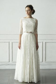 フレンチレース セパレートドレス<br> トップス:¥64,800 /スカート:¥108,000<br>  円