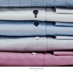 Skjortene fra Viero Milano kommer med knapper i ekte perlemor. menswear.no/skjorte
