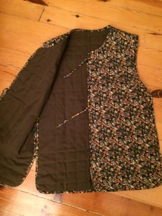 Style Russe, Russian Fashion, Patches, Vest, Quilts, Sewing, Womens Fashion, Fabric, Jackets