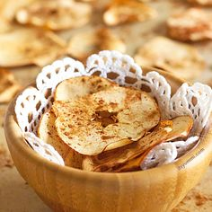 Get this Baked Cinnamon Apple Chips #recipe from It\'s Yummi! (Cooking with Chef Bec) and put a #healthy #snack into your life!