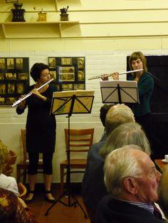 De muzikale omlijsting werd verzorgd door Joyce Saleming en Marit Tijdeman.