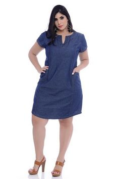 Vestido Jeans Plus Size Cosmel at Diyanu Short African Dresses, Latest African Fashion Dresses, Casual Dresses Plus Size, Plus Size Outfits, Looks Plus Size, Plus Size Fashion For Women, Classy Dress, Curvy Fashion, Fashion Outfits