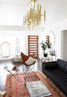 Home_Decor_Mixing_Vintage-Modern_Old_New_Persian_Rug_Hanging_Chair