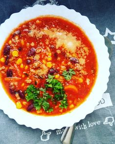 Rozgrzewającą zupa meksykańska chili con carne Soup, Ethnic Recipes, Chili Con Carne, Soups