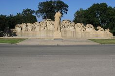 Public Art in Chicago: University of Chicago Campus [Fountain of Time - by Lorado Taft]
