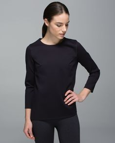 This long-sleeve top has you covered when you're leaving class. The structured, fitted front is made with sweat-wicking Spacer fabric while the airy, loose back gives you room to breathe. Business in the front, party in the back, function all around.