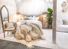 35 Amazingly Pretty Shabby Chic Bedroom Design and Decor Ideas - The Trending House Luxury Duvet Covers, Luxury Bedding, Modern Bedding, Modern Bedroom, Rustic Bedroom Design, Bedroom Decor, Bedroom Ideas, Bedding Decor, Bedroom Designs