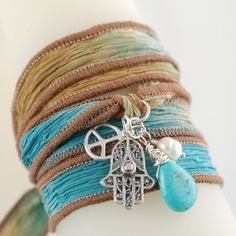 Hand Dyed Silk Ribbon Bracelet with Turqouise. Hippie Bracelets, Ribbon Bracelets, Cute Bracelets, Gypsy Style, Boho Gypsy, Hippie Style, Hippie Love, Hippie Chic, Boho Chic