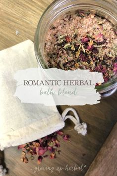 Beauty Herbal: This herbal bath blend is not only great for your skin, but it can make a bath into a romantic occasion. Use it yourself or gift it to a friend. Either way, it makes a beautiful herbal DIY! Bath Recipes, Tea Recipes, Herbal Remedies, Natural Remedies, Health Remedies, Diy Peeling, Romantic Bath, Diy Love, Beauty Hacks For Teens
