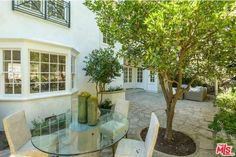 The tamed outdoors. San Ysidro Dr, Beverly Hills, CA