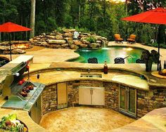 Beautiful outdoor kitchen  www.leovandesign.com