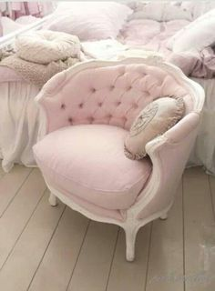 Want this gem in my dressing room~ pale pink
