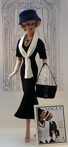 Donnas dolls.  Love the dress with the gloves and hat, jewerly, handbag.....