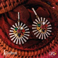 GRT Jewellers is one of the India's foremost jewellery store having an exquisite collection of jewellery in Gold, Diamond, Platinum and Silver created by the finest artisans of India. Also available exclusively in GRT Jewellers Online Jewellery Shopping. Gold Ring Designs, Gold Earrings Designs, Gold Jewellery Design, Gold Jewelry, Gold Jhumka Earrings, Latest Jewellery, Indian Jewelry, Jewelry Shop, Wedding Jewelry