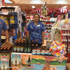 Wow Kona Brewing Co. came to the Hilo KTA store today to promote their new beer HANALEI Island IPA! It is brewed with passion fruit orange and guava fruit flavors. The label is really nice with a couple kayaking in Hanalei Bay and I bought two six packs. After my husband enjoys drinking the beer we will make candles from the bottles. Cheers and Aloha!   . . . #beer #beers #beerme #beerstagram #beerlover #beergeek #beertime #beersnob #beernerd #beerus #beergasm #beerlife #beerlove #kona…