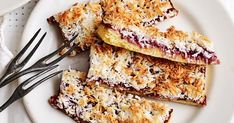 It's a classic Raspberry Coconut Slice, Oat Slice, Lithuanian Recipes, 4 Ingredient Recipes, Easy Sweets, Chocolate Topping, Roasted Almonds, Healthy Cake, Sweet Cherries