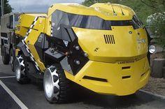 Land Rover 101 Forward Control in Judge Dredd