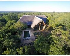 Shikwari Bush Lodge near Hoedspruit. 4 Star Game Lodge set on a plains game reserve with 2 camps and stunning views of the Drakensberg Mountains. Game Lodge, Types Of Rooms, Kruger National Park, Game Reserve, Small Patio, Stunning View, Rafting, Day Trip
