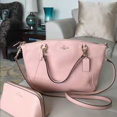 Coach small pebbled leather Kelsey New coach Pebbled Leather Peach Kelsey Shoulderbag two way handles and long shoulder strap, although this is the small Kelsey it holds a lot, and has a lot of room! new with tags MFSRP $298 ❤️matching coach makeup bag sold separately❤️ Coach Bags Shoulder Bags