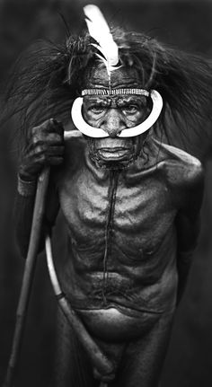 Dani, Elder (photograph by grenville charles) papua new guinea We Are The World, People Around The World, Anthropologie, West Papua, Art Premier, Tribal People, Art Africain, African Tribes, Photos Voyages