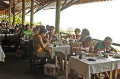Restaurante panoramico a beira mar