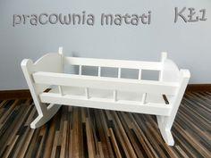 Drewniana kołyska dla lalek - kolorystyka, wzór dowolny