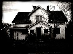 Creepy House by kaoticum on DeviantArt