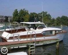 Discover different boat types and classes including popular manufacturer brands. Use Boat Trader to find out which boat or yacht is right for you. Classic Wooden Boats, Cabin Cruiser, Glorious Days, Chris Craft, As Time Goes By, Wood Boats, Motor Yacht, Home Jobs, Environmental Art