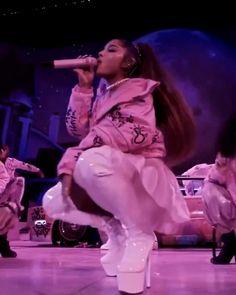 Ariana Grande Poster, Ariana Grande Singing, Ariana Grande Album, Ariana Grande Music Videos, Ariana Grande Cute, Ariana Grande Photoshoot, Ariana Grande Outfits, Ariana Grande Wallpaper, Ariana Grande Pictures