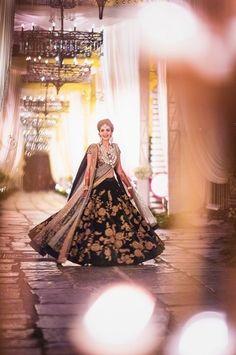 Looking for Sabyasachi bridal lehenga? Browse of latest bridal photos, lehenga & jewelry designs, decor ideas, etc. on WedMeGood Gallery. Sabyasachi Lehenga Bridal, Indian Bridal Lehenga, Indian Bridal Wear, Asian Bridal, Pakistani Wedding Dresses, Indian Wedding Outfits, Indian Dresses, Indian Outfits, Anarkali
