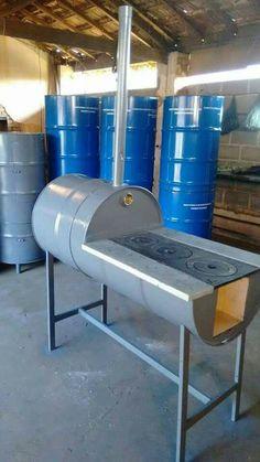 O Lado de Cá: Barril de ferro (tambor de metal) reciclado Outdoor Kocher, Welding Projects, Diy Projects, Diy Wood Stove, Outdoor Stove, Grill Design, Rocket Stoves, Outdoor Kitchen Design, Barbacoa