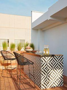 ideas for patio bar design decks Outdoor Tiles, Outdoor Rooms, Outdoor Living, Outdoor Decor, Outdoor Patterned Tiles, Outdoor Retreat, Outdoor Kitchen Bars, Outdoor Kitchen Design, Outdoor Bars