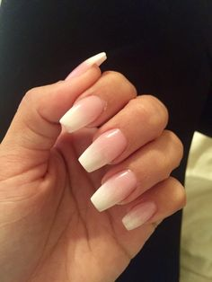 """""""Baby boomer"""" ombré French coffin nails"""