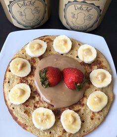 Es hora de desayunar y nuestras DeliFit son la mejor opción para acompañar tus desayunos  . Panqueque de avena   frutas  Maní natural  Choco-Maní  . Y tú? Que desayunas hoy?  #mantequillademani #natural #saludable #breakfast #desayuno #cacao #healthy #food #healthyfood #sabado #fit #motivation
