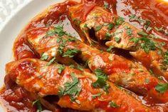 Triglie alla livornese Chicken Wings, Shrimp, Seafood, Toscana, Fish, Recipes, Dinner, Dish, Sea Food