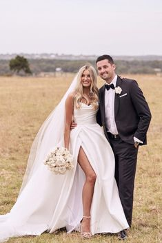 Queen Wedding Dress, Dream Wedding Dresses, Wedding Looks, Bridal Looks, Mariana Hardwick, Wedding Venue Inspiration, Wedding Ideas, Marie, Draped Fabric