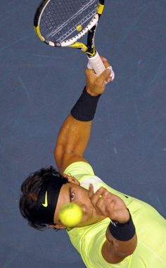 It's not Roger, it's Rafa, but it's a cool picture and Rafa is a cool guy.