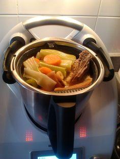 Puchero con Thermomix TM5 Healthy Salads, Healthy Recipes, Great Recipes, Favorite Recipes, Mole, Kitchen Recipes, Allrecipes, Main Dishes, Nespresso