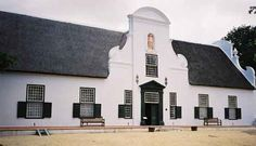 Manor House on the Groot Constantia Wine Estate, Cape Town Vernacular Architecture, Colonial Architecture, Classical Architecture, Architecture Design, Holland, Cape Dutch, African House, Dutch House, Dutch Colonial