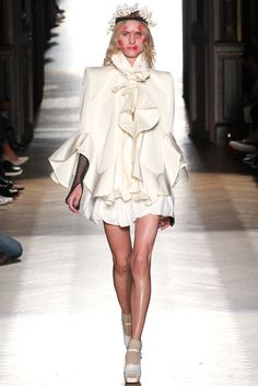 Vivienne Westwood Spring 2015 Ready-to-Wear - Collection - Gallery - Look 1 - Style.com