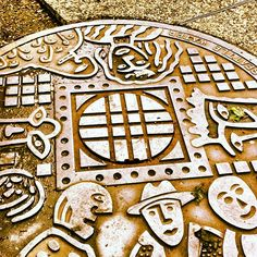 From the Seattle Manhole Covers Collection, near Sazerac - 4th and Spring Street.