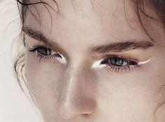 #metallic #eyeliner #beautyinspo