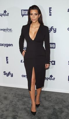 Pin for Later: Charlize Theron Shows Us What a Million Bucks Looks Like Kim Kardashian Kim Kardashian in Wes Gordon at the NBCUniversal Upfront presentation. Estilo Kardashian, Look Kim Kardashian, Actrices Sexy, Vestidos Sexy, Long Sleeve Midi Dress, Jenner Style, Celebs, Celebrities, Kylie Jenner
