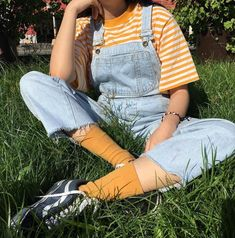 Score this outfit: 0 to 💛 . Cute Casual Outfits, Retro Outfits, Vintage Outfits, Summer Outfits, 90s Style Outfits, Yellow Outfits, Men's Outfits, Vintage Fashion, Tokyo Street Fashion
