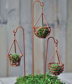 Gardening Diy Miniature Garden Hanging Baskets set of 3 Assorted - A wonderful fairy garden accessory to help the fairies organize and make more room for their plants. Beautiful hanging baskets that will look lovely in any setting they are placed in. Hanging Basket Garden, Hanging Baskets, Hanging Pots, Diy Hanging, Mini Fairy Garden, Fairy Garden Houses, Fairies Garden, Fairy Crafts, Garden Crafts
