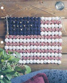 Yo-Yo Flag Wall Hanging quilt sewing pattern